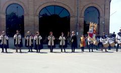 """Balestrieri e Tamburini della Compagnia Balestrieri di Norcia ad Incisa Scapaccino (AT) per la """"Virgo Fidelis"""" dell'Arma dei Carabinieri dell'Umbria."""